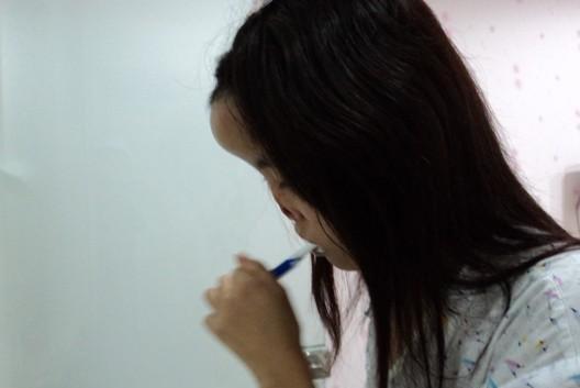 Девушка без носа (27 фото)