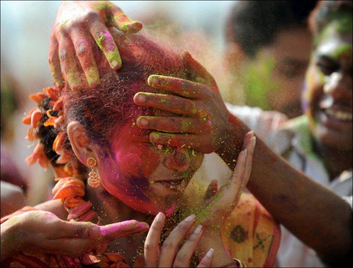 Холи - Индийский праздник весны (20 фото)