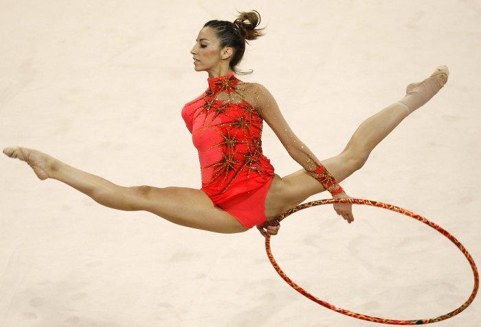 Испанская гимнастка Альмудена Сид Тостадо в FHM (10 фото)