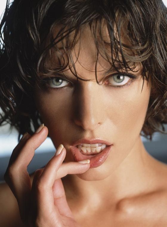 Милла Йовович для журнала Maxim (9 фото)