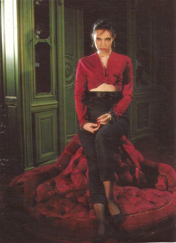 Beatrice Dalle (8 фото)
