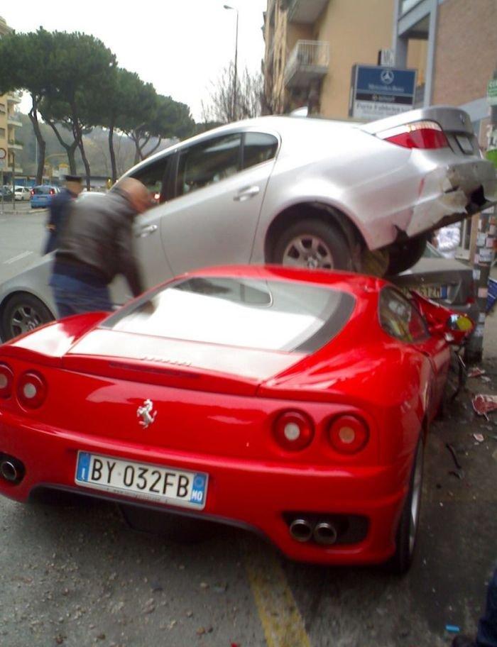 Неудачная парковка (3 фото)