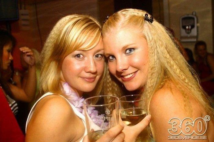 Девушки в ночных клубах Швеции (35 фото)