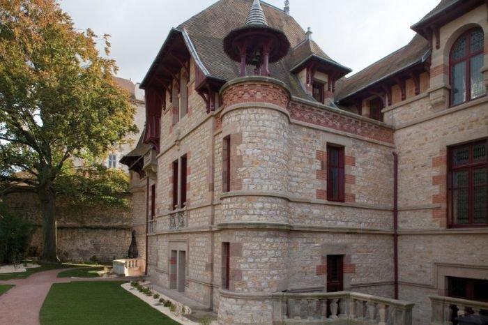 Дом, нетронутый в течение 100 лет (10 фото)