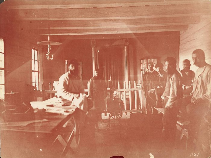 Каторжники строят Транссиб (11 фото)