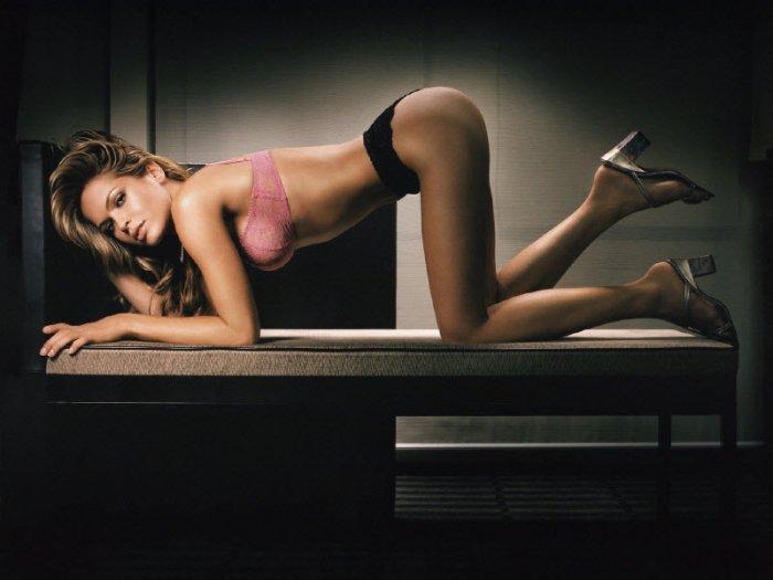Эротические фотографии девушек. Часть 2 (45 фото)