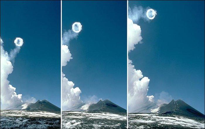 Вулкан пускает кольца (9 фото)