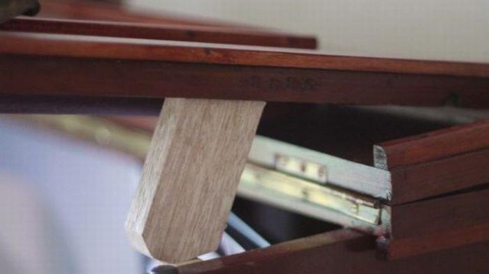 Пианино с сюрпризом (6 фото)