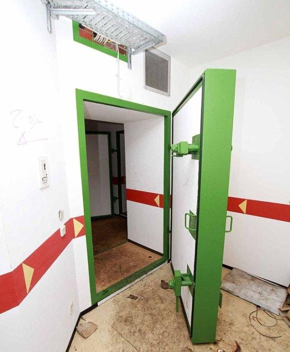 Разграбление особняка Муаммара Каддафи (11 фото)