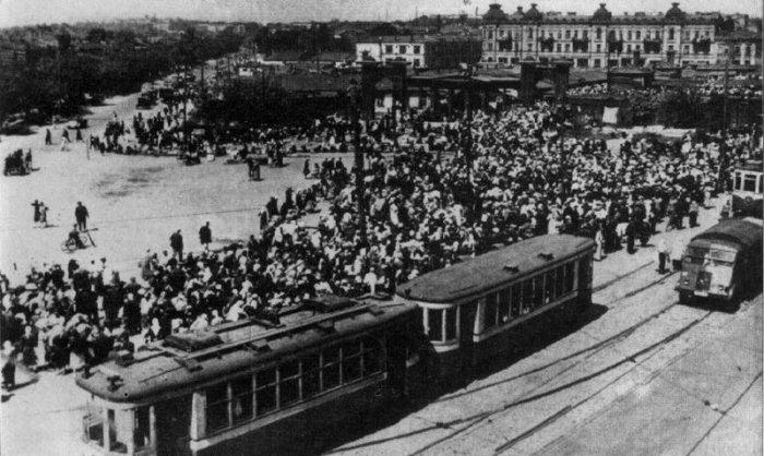 Городской быт Киева во время немецкой оккупации (20 фото)