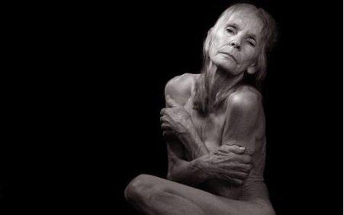 Самая старая проститутка (3 фото + текст)