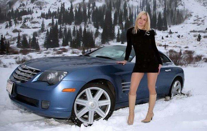 Девушки и машины (20 фото)