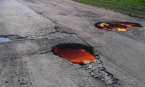 Лава на дороге (4 фото)