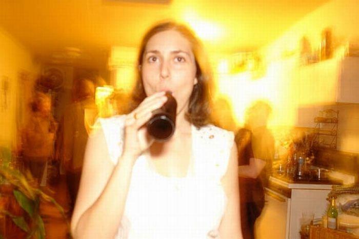 Девушки пьют пиво (46 фото)