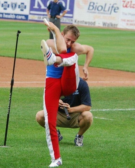 Самый гибкий человек в мире (11 фото)