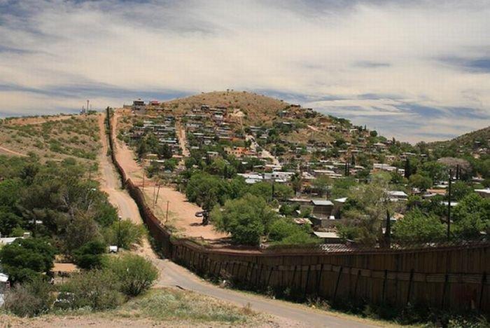 Граница между США и Мексикой (25 фото)