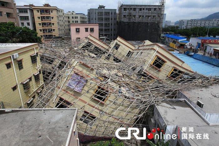 В Китае построили дом... (13 фото)