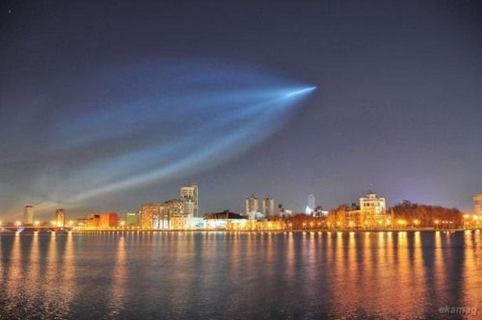 Необычное свечение в небе (18 фото)