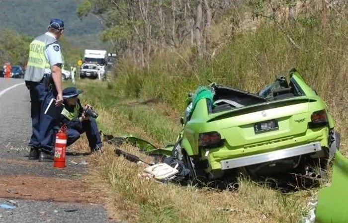 Разбил машину через 15 минут после покупки (5 фото)